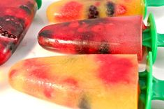 Homemade ice creams with summer fruit - Delicious and Simple, Homemade ice creams with summer fruit - Delicious and Simple. Ice Lolly Recipes, Good Food, Yummy Food, Delicious Fruit, Birthday Treats, Homemade Ice Cream, Slushies, Summer Fruit, Milkshake