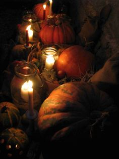 Hallowen 5 Halloween, Pumpkin Carving, Vegetables, Food, Meal, Eten, Vegetable Recipes, Meals, Veggies