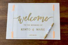 簡単おしゃれ海外風アクリルウェルカムボードの作り方 | ARCH DAYS Wedding Welcome Board, Welcome Boards, Welcome Table, Diy Wedding Reception, Wedding Signs, Wedding Table, Wedding Cards, Fun Diy Crafts, Wedding Images