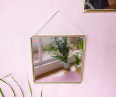 J O Y - Vintage square brass mirror - Miroir carré vintage en laiton - Golden - Macramé - Suspension murale - Modern Wall hanging