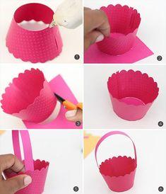 Cupcake wrapper easter baskets :: diy tutorial - - easter crafts diy deep p Easter Crafts, Kids Crafts, Kids Diy, Spring Cupcakes, Tutorial Diy, Diy Cupcake, Spring Crafts For Kids, Diy Gift Box, Cupcake Wrappers