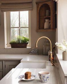 Küchen Design, Home Design, Interior Design, Kitchen Interior, Kitchen Decor, Kitchen Styling, Kitchen Ideas, Farmhouse Style Curtains, Farmhouse Windows