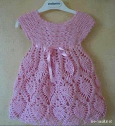 This post was discovered by Ru Crochet Toddler, Baby Girl Crochet, Crochet Baby Clothes, Crochet For Kids, Crochet Stitches Patterns, Baby Knitting Patterns, Baby Patterns, Crochet Dishcloths, Knit Crochet