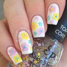 Flower Power Glitter Placement Nails via  bellashoot.com
