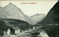 Møre og Romsdal fylke Ørsta og Stranda kommuner Sunnmøre SØNDMØR. Norangsfjorden. Steinbuer på stranden. Ubrukt 1910. Utg Mittet