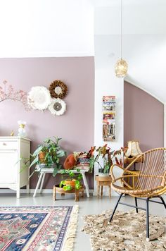 Een (oud) roze muur, welke kleur kies je? | Styled by Sabine Colourful Living Room, Living Room Colors, Living Room Grey, Living Room Designs, Living Room Decor, Mauve Walls, Room Interior, Interior Design, Home And Deco