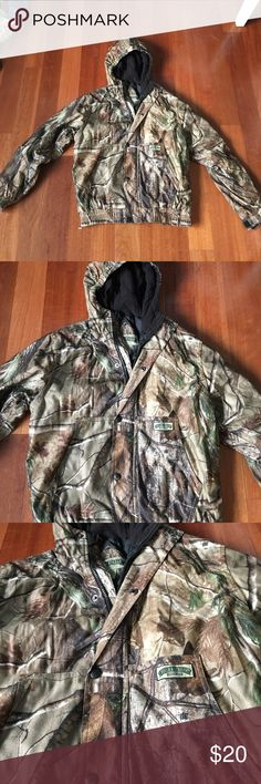 CAMO YOUTH JACKET youth large. can be for male or female. Fits small junior size also. Super worn. Good condition. Field & Stream Jackets & Coats Raincoats