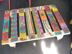 Ideas for great homemade tables - DIY Furniture Couch Ideen Painted Chairs, Hand Painted Furniture, Funky Furniture, Painted Wood, Painted Dressers, Plywood Furniture, Custom Furniture, Garden Furniture, Furniture Design