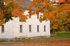 salem in autumn | Fall foliage in New Salem. - Exploring New England's fall foliage