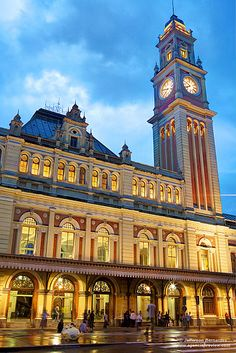 Estao da Luz, historic railroad station and home to the Museum of the Portuguese Language, So Paulo, Brazil Beautiful Places To Visit, Wonderful Places, Cristo Corcovado, Places Around The World, Around The Worlds, Visit Brazil, Learn Portuguese, Brazilian Portuguese, Portuguese Language