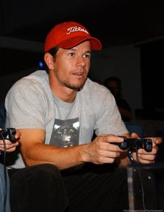 Mark Wahlberg Marky Mark, Mark Wahlberg Young, Actor Mark Wahlberg, Wahlberg Brothers, Beatiful People, Boys Are Stupid, Kids On The Block, Trying To Lose Weight, Tom Cruise