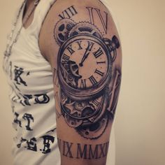 Relojes - Media manga (Primer sesión ) By Blonde Tattoo Studio! Artista Juan…