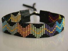 Loom Bracelet Patterns, Bead Loom Bracelets, Bead Loom Patterns, Beading Patterns, Seed Bead Jewelry, Beaded Jewelry, Bead Loom Designs, Bijoux Diy, Bead Crochet