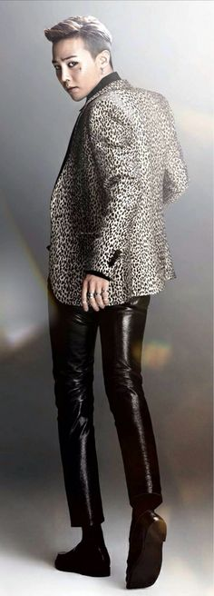 GD // G Dragon from BIGBANG Step aside TOP, that outfit gives Ji the long legs I knew were always there.
