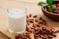 How to Make Almond Milk? How to make almond milk at home? Steps to make almond milk. Easy way to make almond milk at home. Almond Milk Nutrition, Almond Milk Benefits, Health Benefits Of Almonds, Cheese Nutrition, Make Almond Milk, Almond Milk Recipes, Homemade Almond Milk, Bon Dessert, Milk Alternatives