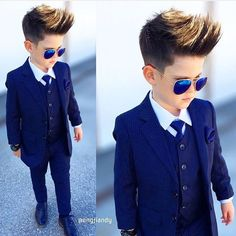 New Trading children boy's HD Amzing pic collection ~ Boys Dress Outfits, Outfits Niños, Little Boy Outfits, Little Boy Fashion, Kids Fashion Boy, Baby Boy Outfits, Kids Outfits, Toddler Outfits, Wedding Dress For Boys