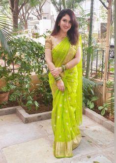 Dress Indian Style, Indian Fashion Dresses, Indian Designer Outfits, Saree Blouse Patterns, Saree Blouse Designs, Saris, Fancy Sarees Party Wear, Sarees For Girls, Saree Trends