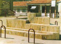 Para hoy jueves día de movilización educativa os dejo estas fotos de la escuela de nuestro pueblo Crivillén, cerrada este año