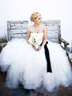 Beautiful Bridal Portrait ~ Photography by joymariephoto.com, Floral Design by thevelvetgarden.com