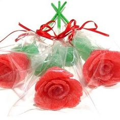 Gumdrop roses, these are so pretty!  They would make great Valentine's gifts