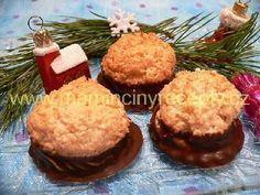 Slepované kokosky Christmas Candy, Christmas Baking, Slovakian Food, Czech Desserts, Czech Recipes, Holiday Cookies, Desert Recipes, Sweet Recipes, Baking Recipes