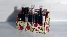 DIY - Organizador de batons / Organizer lipsticks / Barras de labios Org... Pretty Box, Diy Box, Desk Organization, Projects To Try, Lily, Organizers, Create, How To Make, Scrapbook