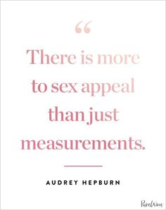 12 Audrey Hepburn quotes that never (ever) grow old – fashion quotes inspirational Audrey Hepburn Outfit, Audrey Hepburn Quotes, Fashion Designer Quotes, Fashion Quotes, Sex Quotes, Beauty Quotes, Style Quotes, Crush Quotes, Qoutes