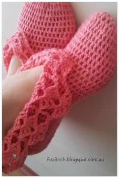 FitzBirch Crafts: Crochet Ballerina Slippers .. Link to free pattern