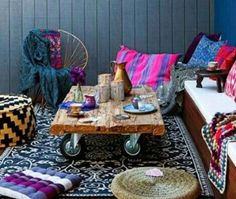 bohemian house interiors with wallpaper and daybed : Bohemian House Interiors. bohemian home decorating ideas,bohemian home decorating style,bohemian home interiors,bohemian interior design home,bohemian interior design ideas Diy Outdoor Bar, Diy Patio, Outdoor Rugs, Outdoor Living, Patio Ideas, Bohemian Patio, Bohemian House, Patio Design, Diy Design