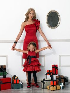 I used to love dressing in mother daughter outfits with my dad when I was little and now, my son enjoys it too! Mommy And Me Shirt, Mommy And Me Outfits, Family Outfits, Girl Outfits, Mother Daughter Fashion, Mom Daughter, Daughters, Little Girl Dresses, Girls Dresses