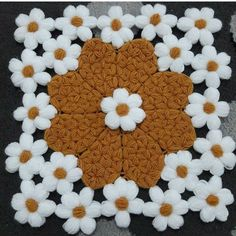 Good Morning Gif, Moda Emo, Jeffree Star, Crochet Flowers, Ravelry, Elsa, Diy And Crafts, Piercings, Toms