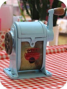 love this little make-over of an old school pencil sharpener. i also appreciate the little nudge to tackle a quick, but satisfying project too. Vintage Love, Vintage Stuff, Pencil Sharpener, Good Old, Old School, Fun Ideas, Craft Ideas, Restoration, Projects To Try