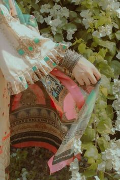 Lovely Girl Image, Cute Girl Pic, Cute Girl Poses, Stylish Girl Pic, Girl Photo Poses, Girly Dp, Pakistani Fashion Party Wear, Modest Fashion Hijab, Fancy Dress Design