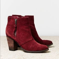 American Eagle Booties Only worn a handful of time. In perfect condition. Look very red in first pic, but actually more of a maroon color. Offers through offer button. American Eagle Outfitters Shoes Ankle Boots & Booties