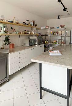 Bakery Ideas, Kitchen Design, Interior Design, Home Decor, Baking Organization, Bakery Decor, Kitchen Industrial, Taylormade, Cabinet Knobs