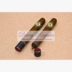 Bolígrafo forma Puro Detalle de boda ideal para invitados a su boda. No romperá la tradición y a su vez dará originalidad a su evento.