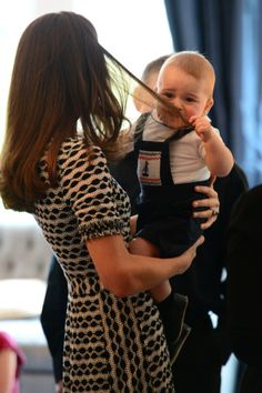 Prince George meets New Zealand babies