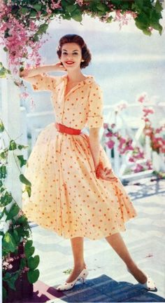 So dainty and feminine! My mother had a white and red dress almost identical. I remember her and Daddy going to dancing lessons with her wearing this dress. <3 Happy times.