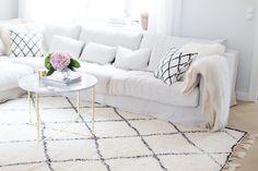 New In The Living Room - Alexa Dagmar : Alexa Dagmar