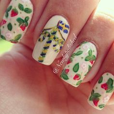 Midsommar nails in Sweden. Swedish Girls, Swedish Style, Scandinavian Cottage, Scandinavian Style, Pinterest Projects, Beautiful Nail Designs, Style And Grace, Beauty Nails, Hair And Nails