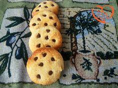 Simil cookies con gocce di cioccolato http://www.cuocaperpassione.it/ricetta/3f341f4c-9f72-6375-b10c-ff0000780917/Simil_cookies_con_gocce_di_cioccolato