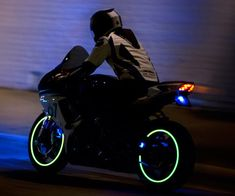 here is a great saftey idea for motorcyclists at night
