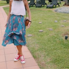 After a few years trying to break through in fashion, the pleated skirt was the skirt of choice for 2016. These skirts look be...
