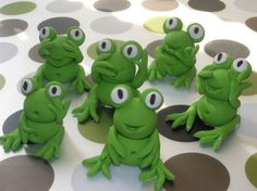 6 Edible Sugar Frogs cake and cupcake topper by madeitinhome, $22.50