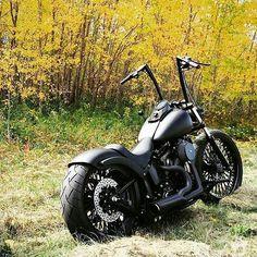 #Repost showoffmyharley: Them beautiful #fall riding days! @rad_mattrix Custom #NightTrain with @heartlandbiker E-Z 200 Conversion! @rad_mattrix #harleydavidson #showoffmyharley #SOMH #softail #nighttrain #bikelife #follow #instadaily #instagood #heartlandUSA #heartlandbiker #custom #slammed #beautiful #harley #picoftheday #FTW #lifebehindbars #livetoride #ridetolive #repost #sittinpretty