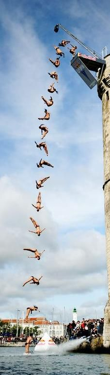 Cliff Diving La Rochelle - Funny Sports - - Three seconds to do what? The post Cliff Diving La Rochelle appeared first on Gag Dad. Extreme Photography, Sport Photography, Photography Poses, Beach Volley, Foto Fun, Cliff Diving, Kayak, Sports Humor, Soccer Humor