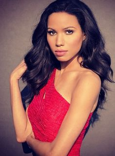 Jurnee Smollett-Bell. She is my favorite actress ever i love her && really look up to her & want to one day act along side of her!!#Dream