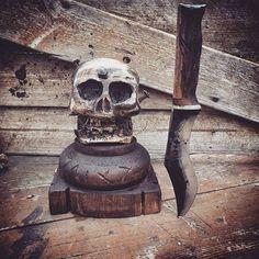 MR. Pälli Puupää!  #customknives #rustic #blacksmith #cathillknives #kitchenknife #skull #skullart #sharp #blacksmith #käsityö #taottu #seppä #lựu #kitchentools #vikingstyle #keittiöveitset #teräs #carbonsteel # hullukyläseppä #riimut #runes  Yummery - best recipes. Follow Us! #kitchentools #kitchen