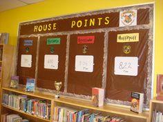 Harry Potter Teachers, Harry Potter Classes, Hogwarts Classes, Harry Potter School, Harry Potter Classroom, Harry Potter Decor, Harry Potter Houses, Classroom Design, Classroom Themes