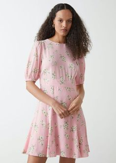 weekend sales Holly Willoughby Outfits, Holly Willoughby Style, Party Dresses Online, Pink Mini Dresses, Mini Dress With Sleeves, Summer Essentials, Fashion Story, Linen Dresses, Fashion Plates